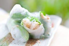 Rullo di sorgente vietnamita con lattuga Fotografie Stock