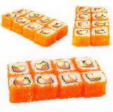 Rullo di sushi con lo sgombro, l'avocado ed il cetriolo Fotografie Stock Libere da Diritti