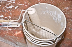 Rullo di vernice/benna/miglioramento domestico Fotografia Stock