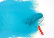 Rullo di vernice blu fotografia stock