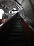 Rulltrappa från gångtunnelstation Fotografering för Bildbyråer