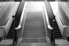 Rulltrappa från tunnelbanan Fotografering för Bildbyråer