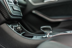 Rumänien, Brasov-Sept. 16, 2014: Mercedes-Benz A 45 2014 AMG-Innenraum Lizenzfreie Stockfotografie
