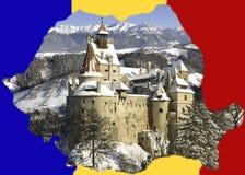 Rumänien-Kartenform mit Draculas Kleie-Schloss Stockfoto