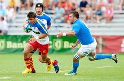 Rumänien und Italien kämpfen während des IRB Nation-Cup Stockfoto