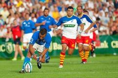 Rumänien und Italien kämpfen während des IRB Nation-Cup Stockbilder
