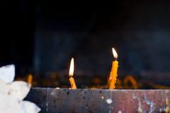 Rumänische Kerzen für totes oder lebendiges Stockbild