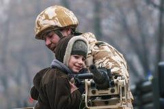 Rumänische Kinder an einer Parade Stockfoto