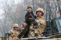 Rumänische Kinder an einer Parade Lizenzfreies Stockfoto