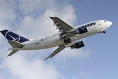 Rumänische nationale Fluggesellschaft Tarom, Airbus A310 lizenzfreie stockfotografie