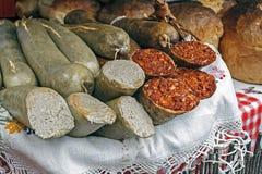 Rumänische traditionelle rote und weiße Wurst Lizenzfreies Stockbild
