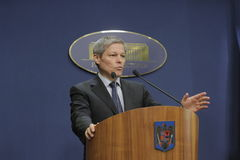 Rumänischer Premierminister Dacian Ciolos stockbilder