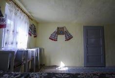 Rumänischer traditioneller Kircheninnenraum stockbilder