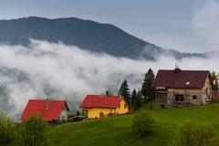 Rumänisches Bergdorf Stockbild
