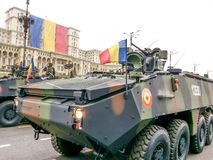 Rumänisches Fahrzeug des Krieges mit Soldaten Stockfoto