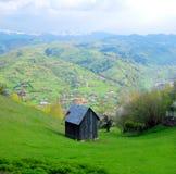Rumänisches Landschaftchalet lizenzfreie stockbilder