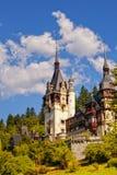 Rumänisches Schloss lizenzfreie stockfotos