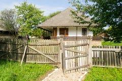 Rumänisches traditionelles Haus lizenzfreie stockfotografie