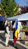 Rumänsk bonde i en fair Royaltyfria Foton
