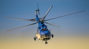 Rumänsk gendarmerihelikopter arkivbild