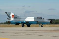 Rumänsk jaktflygplan för flygvapen MiG-21 Fishbed Fotografering för Bildbyråer