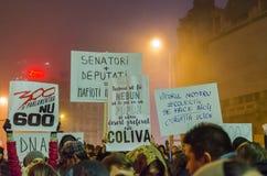 Rumänsk protest 06/11/2015, Bucharest Royaltyfri Bild