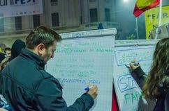 Rumänsk protest 06/11/2015, Bucharest Royaltyfria Bilder