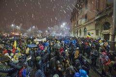 Rumänsk protest mot regering Arkivbilder