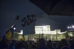 Rumänsk protest mot regering Royaltyfria Bilder