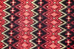 Rumänsk traditionell blus - texturer och traditionella motiv royaltyfria bilder