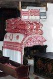 Rumänsk traditionell bondaktig husplats Fotografering för Bildbyråer
