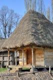 Rumänskt byhus Arkivbild