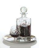 Rum in decantatore con vetro immagine stock libera da diritti