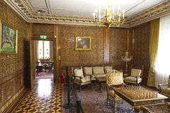 Rum för Ceausescu slottschack royaltyfria bilder