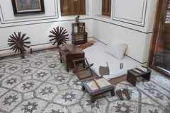 Rum för Gandhi ` s på Mani Bhavan Gandhi Museum arkivfoton