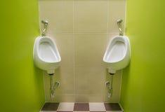 Rum för offentlig toalett Arkivfoton