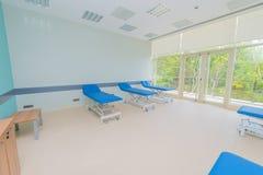 Rum i det moderna sjukhuset Arkivbild