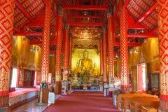Rum inom av pagoden för ceremoniell buddist Arkivbild