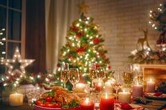 Rum som dekoreras för jul royaltyfri bild