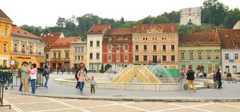 Â Rumania del centro de ciudad del â de Brasov viejo Fotos de archivo libres de regalías