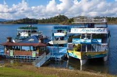 Rumb łodzie w Guatape zdjęcie royalty free