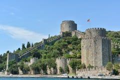 Rumeli Hisari (den Rumeli fästningen), Istanbul, Turkiet Arkivbilder
