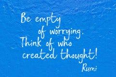 Rumi blu preoccupantesi vuoto immagini stock