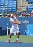 Wielkiego Szlema mistrza Andy Roddick praktyki dla us open przy Billie Cajgowego królewiątka tenisa Krajowym centrum Zdjęcie Stock