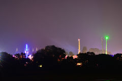 Rummelplatz an der Insel des Wight-Festivals nachts Stockfotos