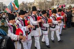 Rumänische traditionelle Musikkünstlerausführung Stockfotos
