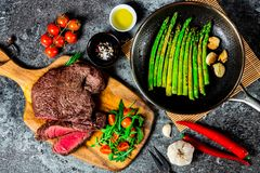 Rump steak and vegetables royalty free stock image