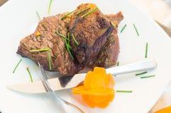 Rumsteak délicieux cuit à la perfection et Images libres de droits