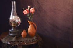 Rumuńska ceramika i benzynowa lampa zdjęcie royalty free