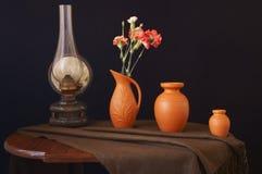 Rumuńska ceramika i benzynowa lampa zdjęcie stock